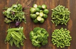 برای تقویت استخوان چه بخوریم؟ خواص میوه و سبزیجات برای سلامت استخوان ها | طب سنتی